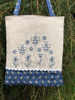 Gail Pan Blue Bee Bag pattern