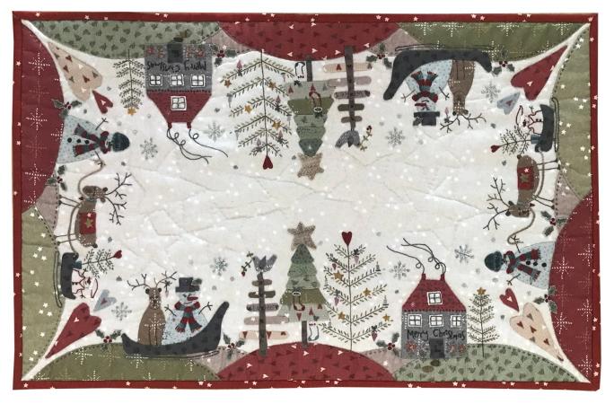 Lynette Anderson Christmas Festive Forest Table Runner Pattern