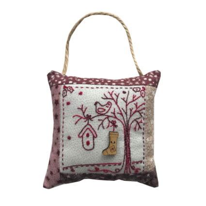 Lynette Anderson Sweet Christmas Nesting Tree Ornament Pattern