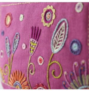 Un Chat dans l'aiguille Trousse Rose Puuch Kit by Christel Gouze Elbaz